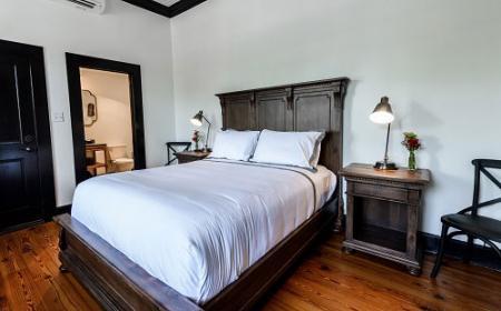 Suite 22 Queen Room